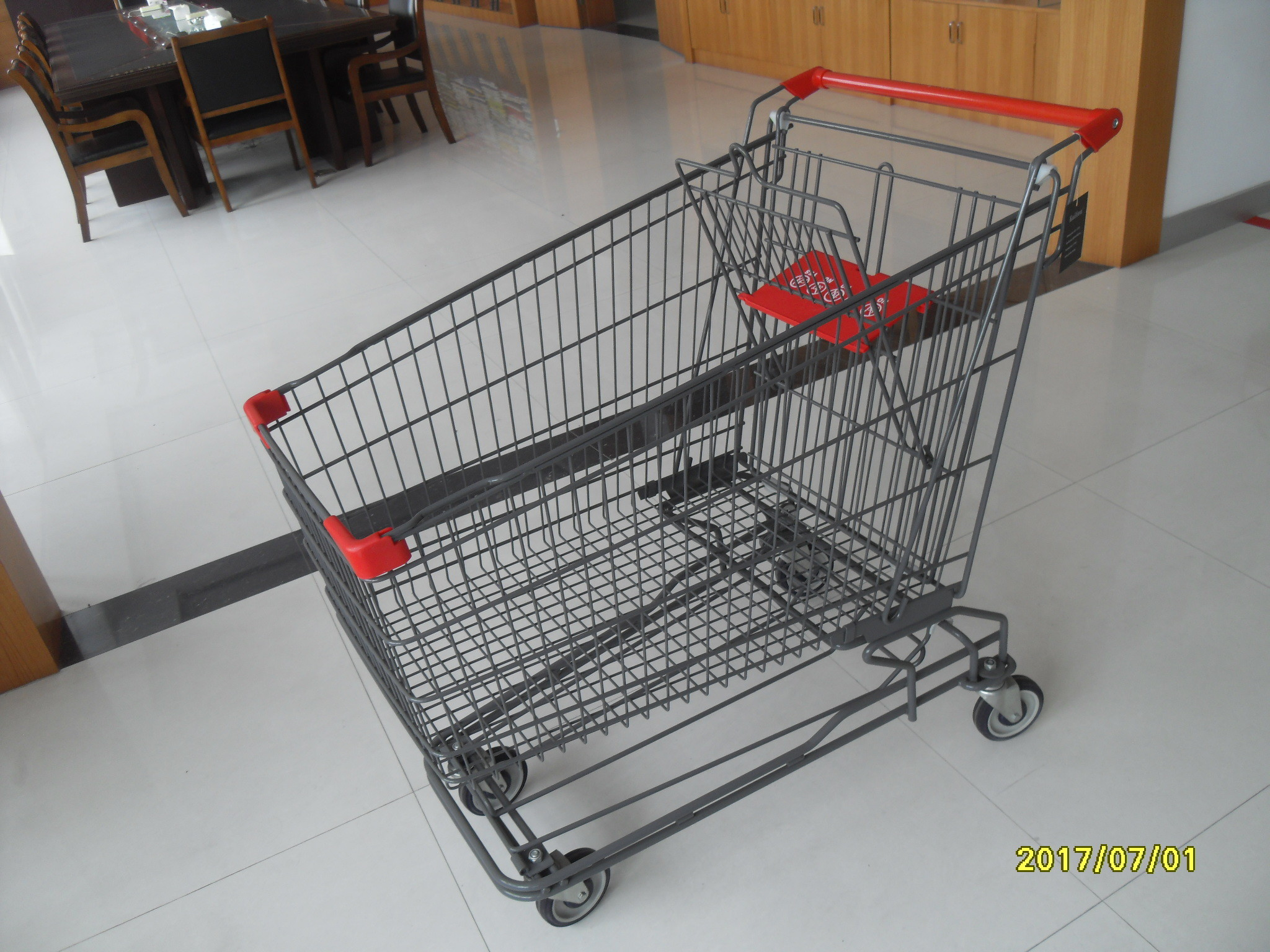 210L 4 Swivel 5 Inch Caster Wire Shopping Carts With Wheels GS / ROSH